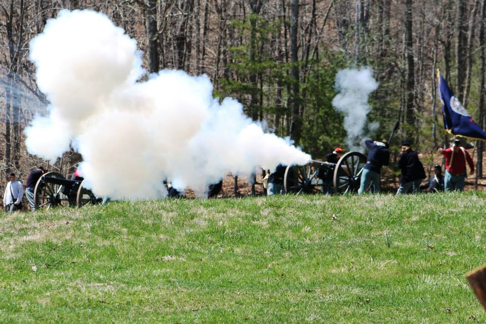 Union cannon firing. Photo by The CEO.